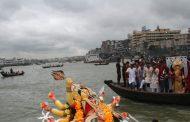 'বিহিত পূজা' আর 'দর্পণ বিসর্জনে' দুর্গা পূজার শাস্ত্রীয় সমাপ্তি