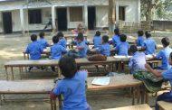 ঝিনাইদহে শিক্ষার্থীদের পড়ানো হচ্ছে খোলা আকাশের নিচে