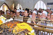 শাহ আমানত শাহ (রহ:) এর মাজার জিয়ারত শেষে : ব্যারিস্টার নওফেল এর গণসংযোগ শুরু