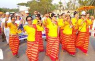 বর্ণাঢ্য শোভাযাত্রায় মিলেমিশে একাকার মারমা সম্প্রদায়ের সাংগ্রাইং উৎসবে মেতে উঠেছে পার্বত্যবাসী