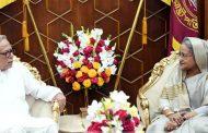বঙ্গভবনে রাষ্ট্রপতি মো. আবদুল হামিদ ও প্রধানমন্ত্রী শেখ হাসিনার বৈঠক : স্বাধীনতা দিবসে স্মৃতিসৌধের কর্মসূচি বাতিল