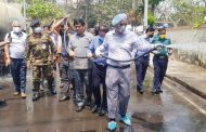 চট্টগ্রাম :: জীবাণুনাশক পানি ছিটালেন মেয়র
