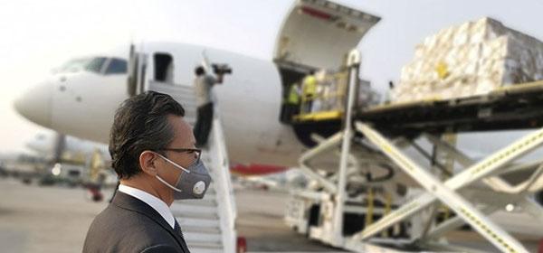করোনাভাইরাস শনাক্তে চীন সরকারের সহায়তা হিসাবে টেস্ট কিট ও বিভিন্ন চিকিৎসা সরঞ্জাম ঢাকায় এসে পৌঁছেছে
