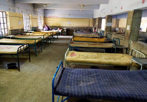 করোনা আতংকে রোগী শূন্য রাঙ্গামাটি সদর হাসপাতাল