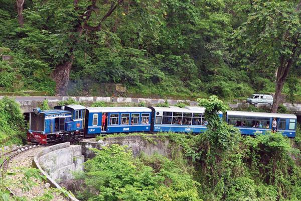তিন পার্বত্য জেলায় রেল সংযোগের নির্দেশ :: মাননীয় প্রধানমন্ত্রী বঙ্গবন্ধু তনয়াকে কৃতজ্ঞতা