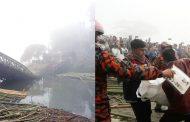 কুতুকছড়িতে বেইলি ব্রীজ ভেঙ্গে ট্রাক নদীতে পড়ে চালকসহ নিহত ৩
